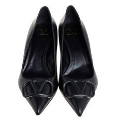 Valentino Black Leather V Logo Pumps Size 39.5