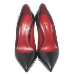 Valentino Black Leather VLTN Pointed Toe Pumps Size 35.5