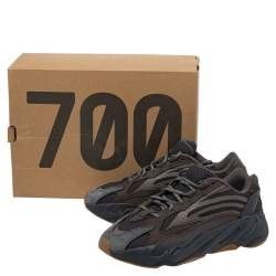 Yeezy x Adidas Grey Nubuck and Leather Boost 700 V2 Geode Sneakers Size 40 2/3
