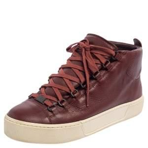حذاء رياضي بالنسياغا ارينا جلد بني مقاس 40