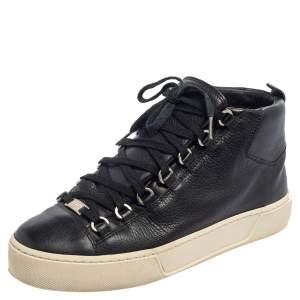حذاء رياضي بالنسياغا ارينا هاي توب جلد أسود مقاس 40