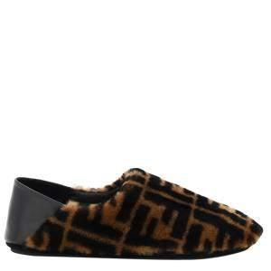 حذاء سليبرز فندي مطبوع شعار الماركة جلد غنم بني مقاس أنغليزي 5 / مقاس أوروبي 38