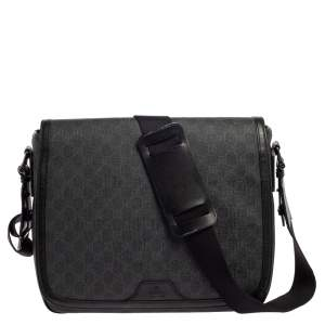 Gucci Black GG Supreme Canvas Messenger Bag