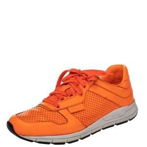 حذاء رياضي غوتشي جلد مخرم برتقالي منخفض من أعلى مقاس 41