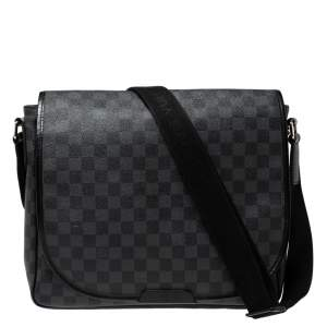 Louis Vuitton Damier Graphite Canvas Renzo Messenger Bag