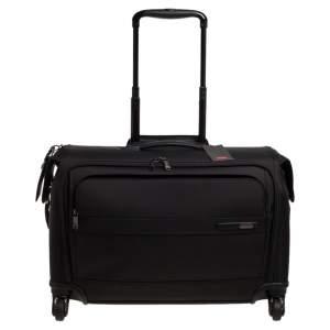 حقيبة ملابس تومي جينا 2 كاري أون 4 عجلات سوداء