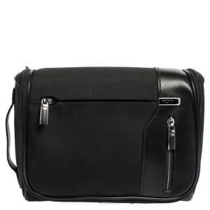 حقيبة تومي هانغينغ ترافيل كيت واش نايلون وجلد أسود