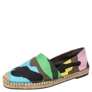 حذاء فلات فالنتينو إسبادريل كانفاس نمط مموه متعدد الألوان مقاس 43