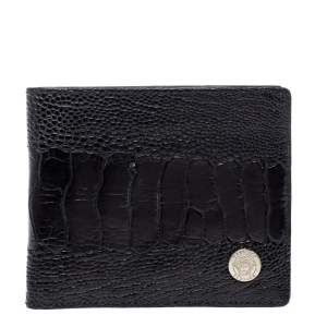 محفظة فيرساتشي جلد نعام أسود ثنائية الطي