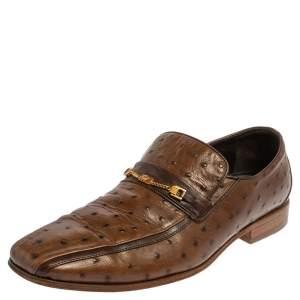 حذاء لوفرز فيرساتشي مزين سلسلة ميدوسا جلد نعام بني مقاس 43