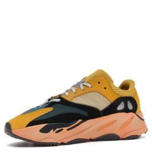 حذاء رياضي أديداس ييزي 700 صن مقاس أمريكي 9.5 مقاس أوروبي 43 1/3
