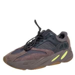 حذاء رياضي يزي وأديداس بوست 700 في2 جيود سويدي وشبك رمادي مقاس 46