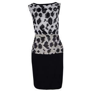 فستان بالنسياغا نمط جلد الثعبان مطبوع أسود بلا أكمام M