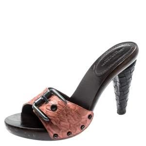 حذاء مولز بوتيغا فينيتا كعب انترشياتو جلد تمساح وردي سالمون مقاس 37.5