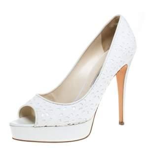 حذاء كعب عالي براين أتوود مقدمة مفتوحة و نعل سميك قماش مطرز مورد أبيض ىمقاس 39.5