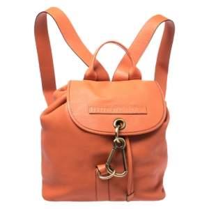 حقيبة ظهر بربري جلد برتقالي بمشبك وقلاب