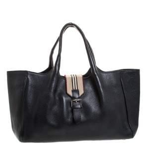 حقيبة يد بربرى إبزيم جلد سوداء