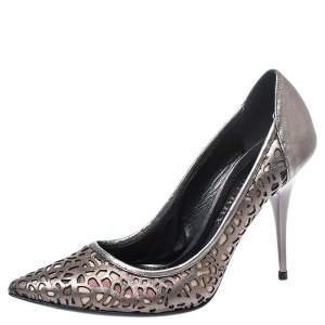 Burberry Metallic Olive Green Laser Cut And Nova Check Pointed Toe Pumps Size 38.5