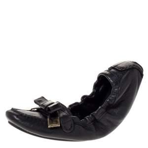 حذاء فلات باليه بربري مجعد فيونكة جلد أسود مقاس 41
