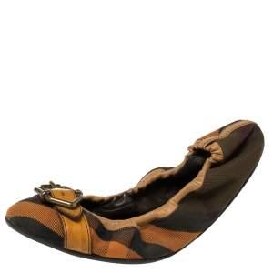 حذاء باليرينا فلات بربري مجعد إبزيم جلد و كانفاس مربعات نوفا متعدد الألوان مقاس 39