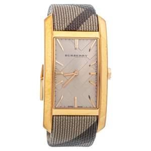 ساعة يد نسائية بربري بايونير BU9408 ستانلس ستيل ذهبي وردي اللون 25مم