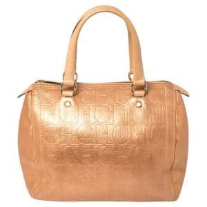 حقيبة كارولينا هيريرا آندي بوسطن جلد منقوش ذهبي وردي ميتاليك