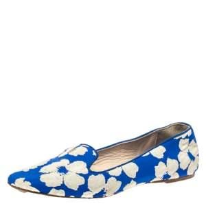 Carolina Herrera Blue/White Floral Embroidered Fabric Smoking Slipper Size 37
