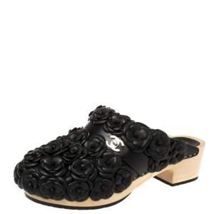 حذاء مولز شانيل نعل سميك خشب الكاميليا قفل دوار سى سى جلد أسود مقاس 38