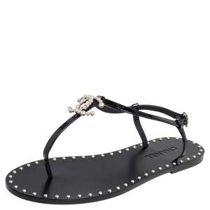 Chanel Black Patent Leather CC Pearl Embellished Flat Thong Sandals Size 40.5