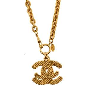 Chanel Vintage Gold Tone Double CC Pendant Necklace