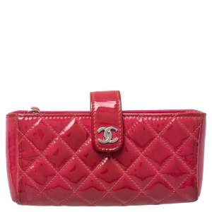 Chanel Fuchsia Quilted Patent Leather CC Phone Holder Clutch