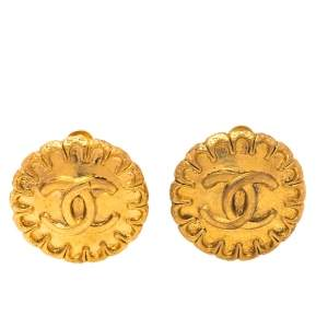 Chanel Vintage Gold Tone CC Clip-On Earrings