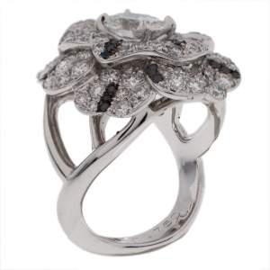 Chanel Pétales de Camélia 0.84ct Oval Solitaire Diamond 18k White Gold and Black Diamond Cocktail Ring Size 51