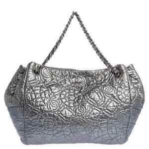 Chanel Silver Camellia Embossed Patent Leather Shoulder Bag