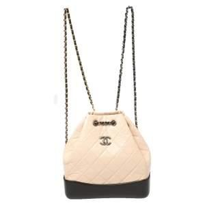 حقيبة ظهر شانيل غابرييل جلد مبطن بيج / أسود صغيرة