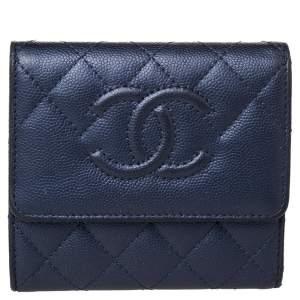 محفظة شانيل CC جلد كافيار أزرق كحلي مبطن ثلاثية الطي