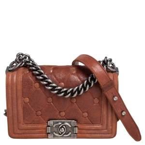 حقيبة شانيل تشيسترفيلد بادينغ بوي جلد نوبوك مبطن بني بقلاب صغيرة