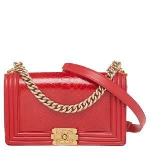 حقيبة شانيل بوي جلد وجلد ثعبان أحمر متوسطة  بقلاب