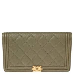 Chanel Green Quilted Caviar Leather Boy L Yen Continental Wallet