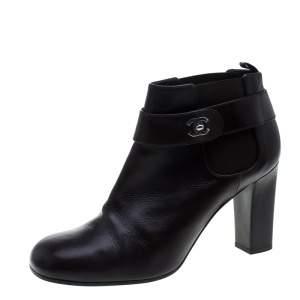 بوت للكاحل شانيل CC جلد أسود مقاس 38.5
