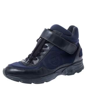 حذاء رياضي شانيل CC جلد أسود ونايلون أزرق بأربطة مقاس 36.5