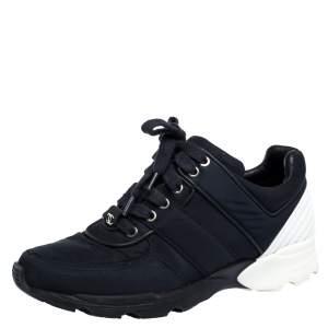 حذاء رياضي شانيل برباط علوي جلد و نايلون أزرق و أبيض مقاس 37.5