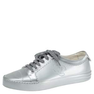 Chanel Silver Patent Vinyl and Fabric CC Lace Up Low Top Sneakers Size 39.5