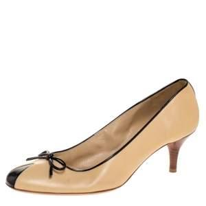 حذاء كعب عالى شانيل فيونكة جلد أسود / بيج مقاس 38.5