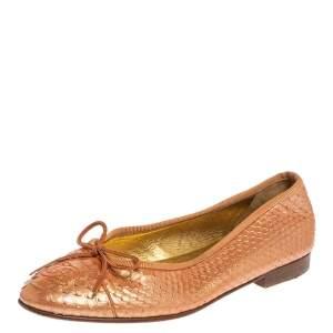 حذاء فلات شانيل فيونكة سي سي جلد ثعبان برتقالي ميتالك مقاس 35.5