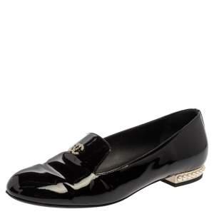حذاء لوفرز شانيل لؤلؤ صناعى سى سى جلد لامع أسود مقاس 37