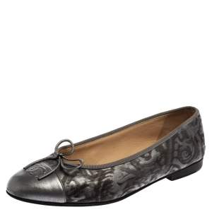 Chanel Metallic Grey Leather Bow Ballet Flats Size 38.5