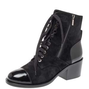 حذاء بوت شانيل كومبات رباط علوي جلد لامع و سويدي أسود مقاس 40.5