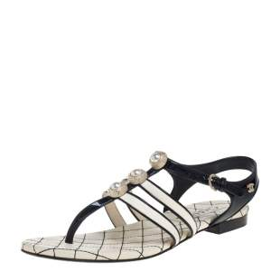 Chanel Black/White Patent Leather And Leather CC Embellished Thong Flat Sandals Size 37.5