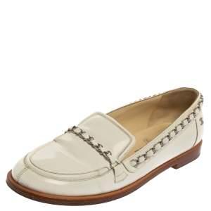 حذاء لوفرز شانيل سلسلة جلد لامع أبيض مقاس 39